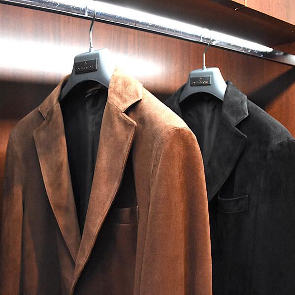 上品で色気を醸すジャケット